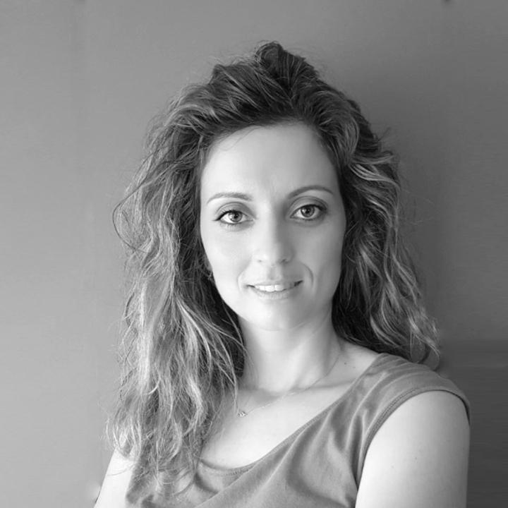 Άννυ Βαχαρέλη